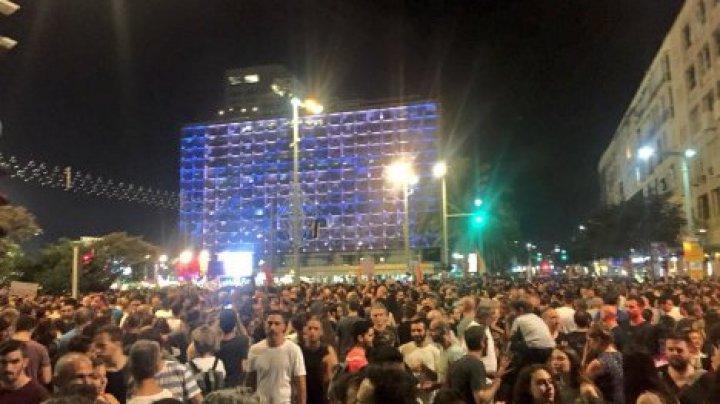 Равные права на суррогатное материнство: десятки тысяч израильтян вышли на протест в Тель-Авиве