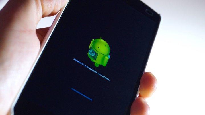 Стало известно, как смартфоны Xiaomi и Huawei шпионят за своими владельцами