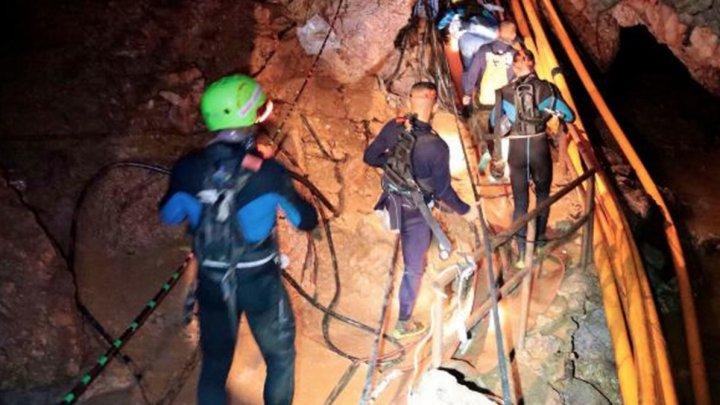 В Таиланде врачи обнаружили инфекцию у всех спасенных из пещеры детей