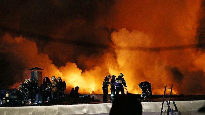 В Екатеринбурге произошел крупный пожар: видео