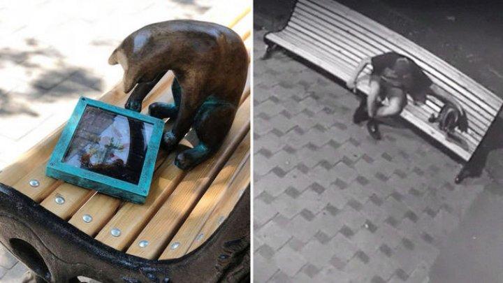 В центре Одессы похитили гипсовую кошку-геймера