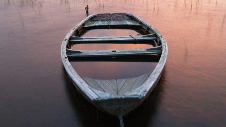 На Колыме утонул трёхлетний ребёнок, которого пьяные посадили управлять лодкой