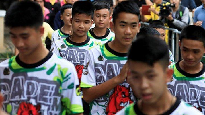 Спасенных из пещеры тайских детей выписали из больницы