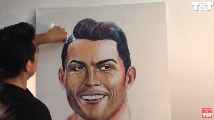 Мексиканский художник создал портреты звезд футбола из зубной пасты