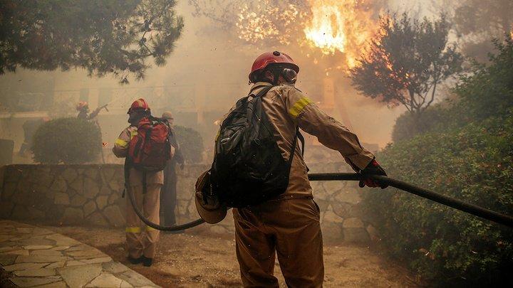 В греческих пожарах погибли уже 74 человека