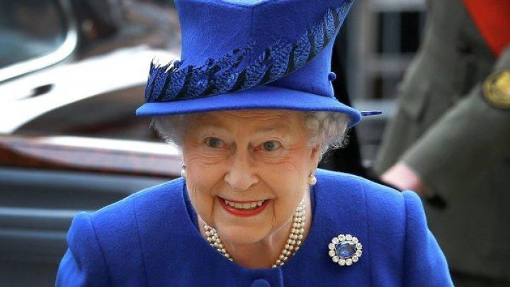 Внучка Елизаветы II случайно опубликовала фото тайного коридора дворца
