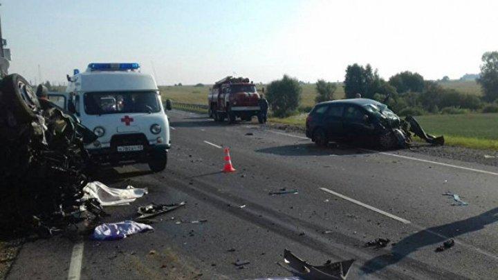 Шесть граждан Молдовы погибли в страшном ДТП в России (видео)