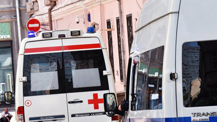 В Новосибирске автомобиль протаранил киоски, есть погибшие