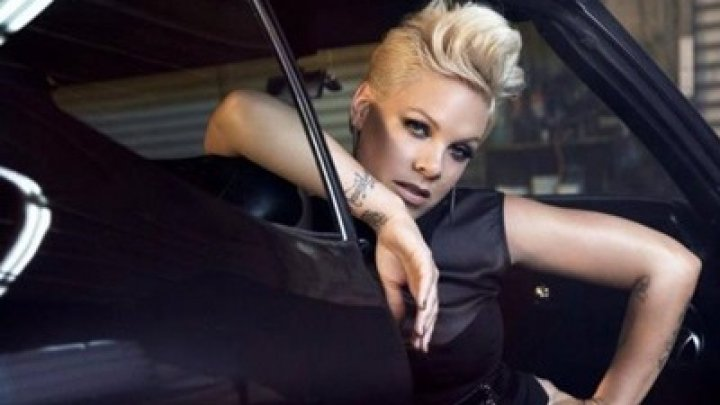 Певицу Pink госпитализировали в Сиднее