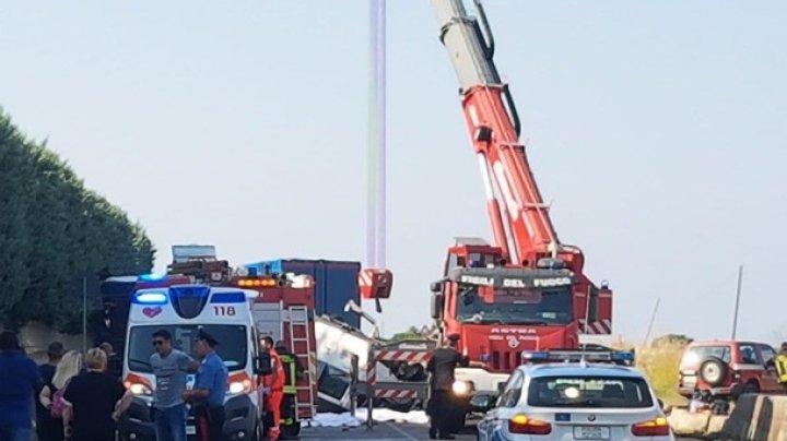 В Италии перевернулся автобус с рабочими: 12 жертв