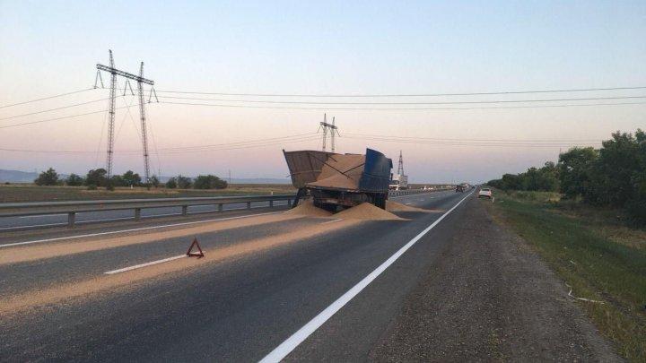 Страшная авария в Ставропольском крае: двое погибших, 17 пострадавших (фото)