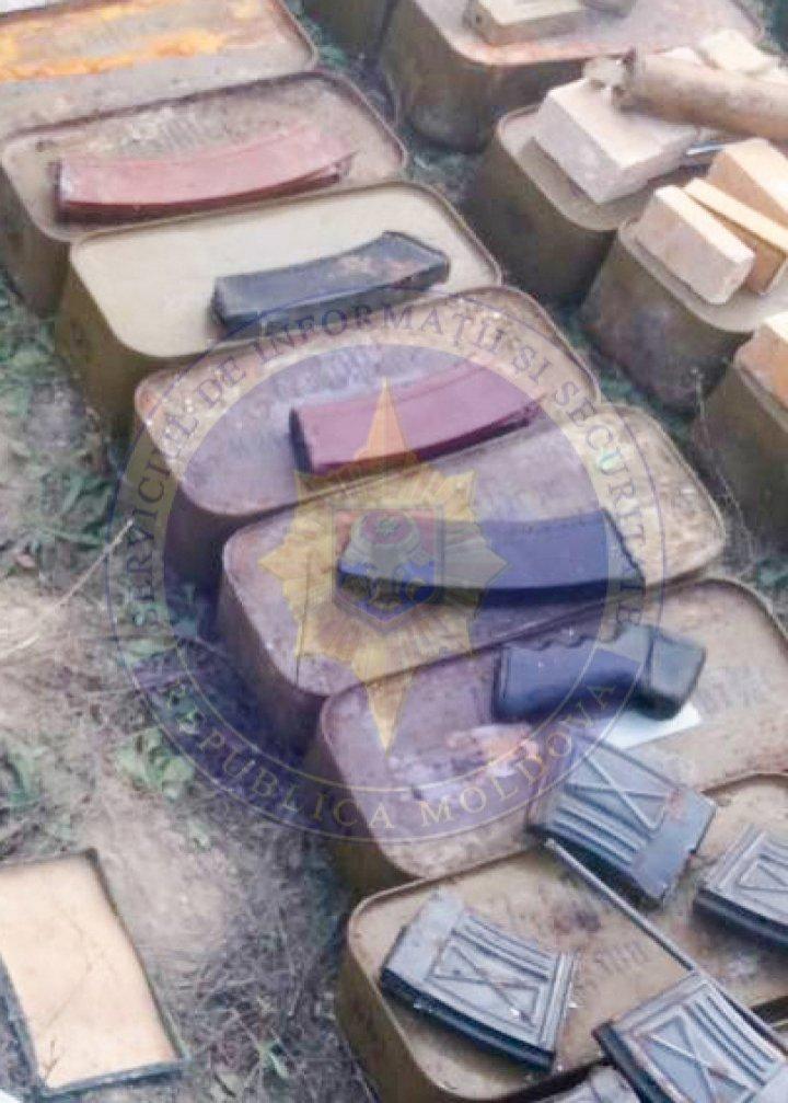 СИБ обнаружила оружие, боеприпасы и взрывчатку во многих населенных пунктах