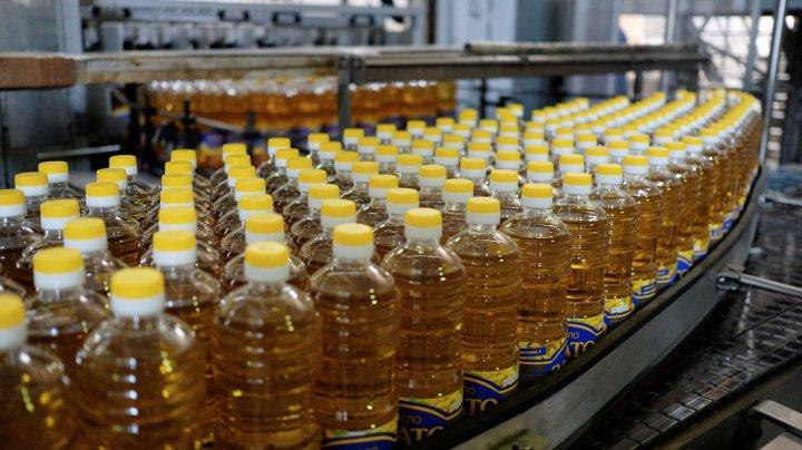 В Петербурге неизвестные угнали грузовик с 20 тоннами подсолнечного масла