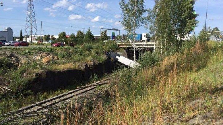 В Финляндии разбился автобус с туристами: 4 погибших, 20 раненых