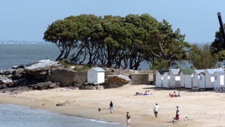 21-летний парень утонул в яме, которую выкопал на пляже