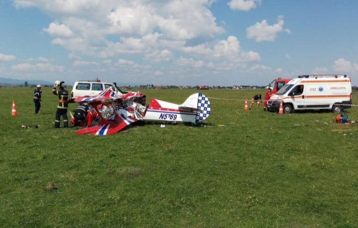Два самолета столкнулись перед началом авиашоу в Румынии: видео