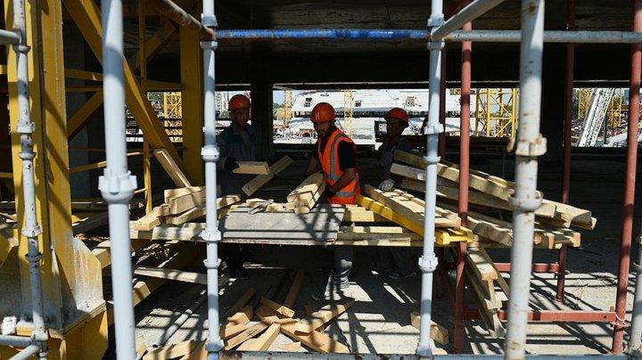 Четверо рабочих из Молдовы пострадали на стройке в Санкт-Петербурге