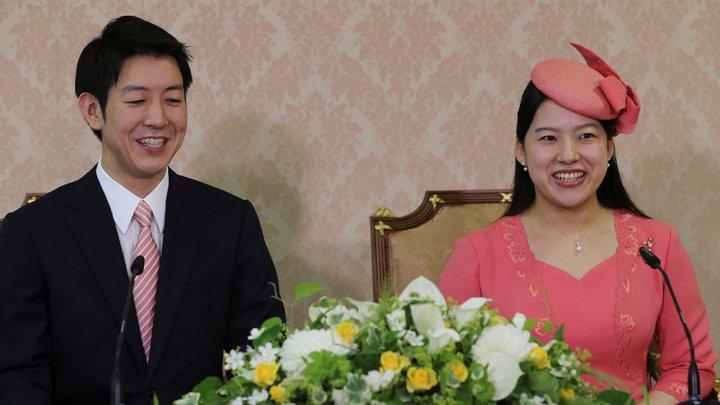 Японская принцесса Аяко обручилась со своим возлюбленным