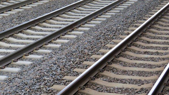 Пассажирский поезд сошел с рельсов в Пакистане