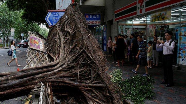Более 100 человек пострадали в Гонконге в результате тайфуна «Мангхут»