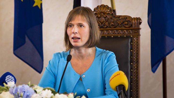 Президент Эстонии убрала мусор в украинском парке