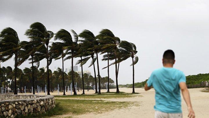 """Кадры урагана """"Флоренс"""", бушующего в США, впечатлили Сеть"""