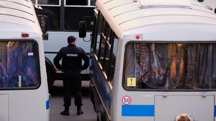 В Оренбурге мужчина напал на полицейского, который вез его в участок