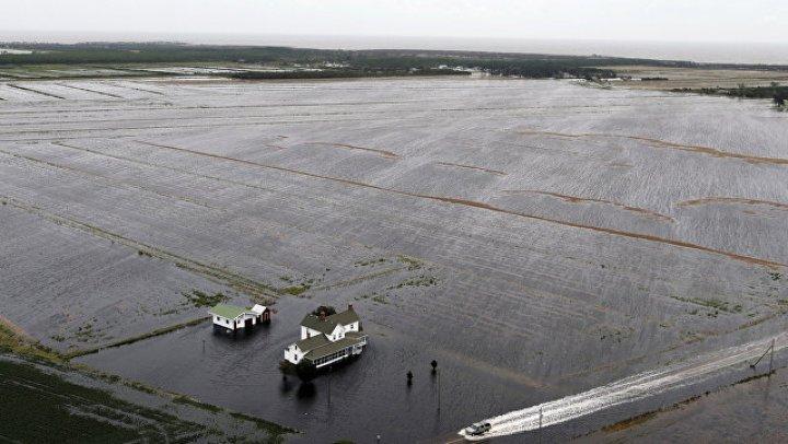 "В США число жертв шторма ""Флоренс"" возросло до 37 человек"