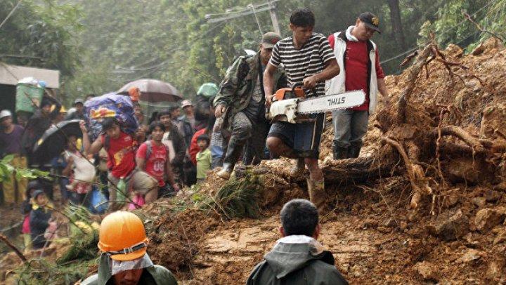 Более 20 человек погибли во время оползня на Филиппинах