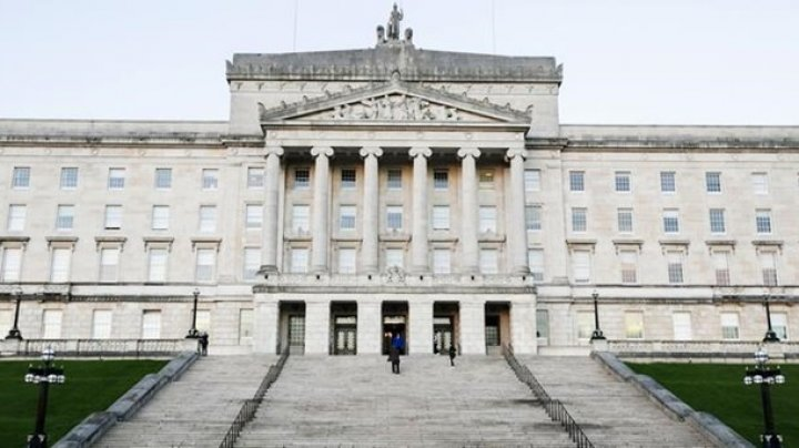 Ирландским депутатам урежут зарплату за парализацию правительства