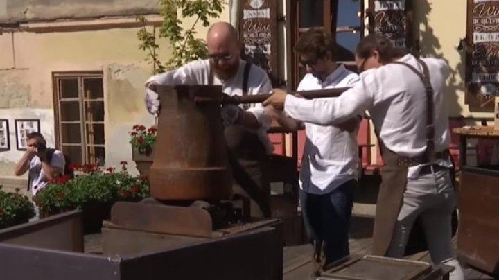 Во Львове в одной турке сварили 20 литров кофе
