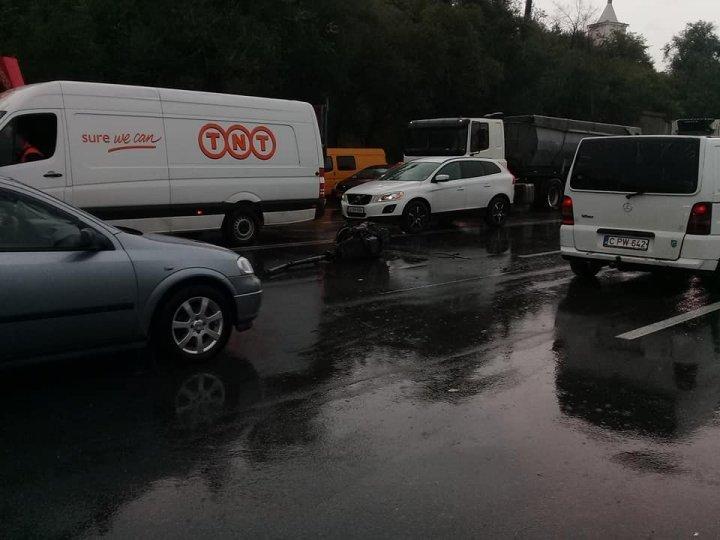 Подробности ДТП с участием трех авто на улице Каля Мошилор