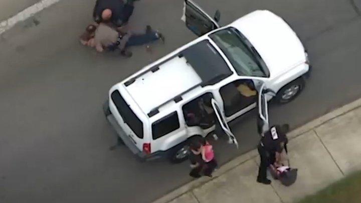 Женщина с младенцем на руках устроила погоню с полицейскими, как в GTA