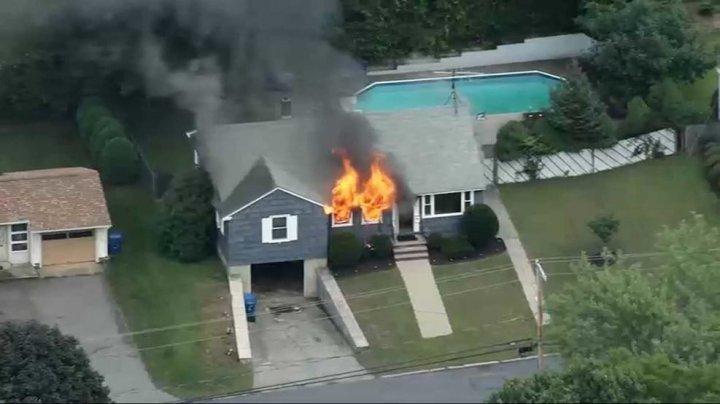 Около 40 домов взорвались в Массачусетсе из-за утечки газа