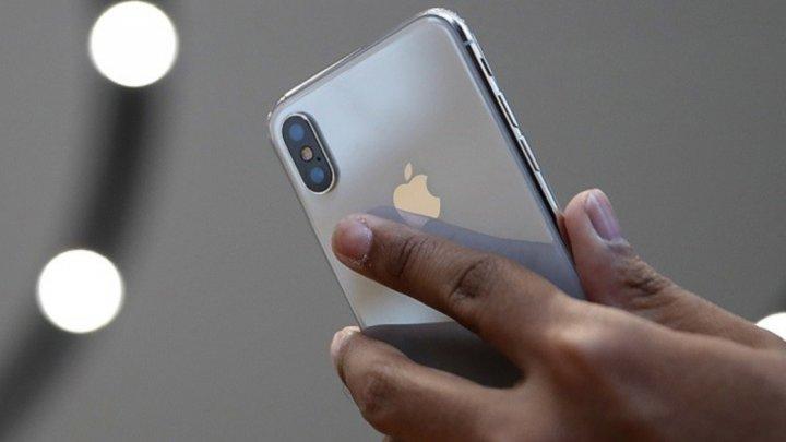 В США появились очереди за новыми iPhone