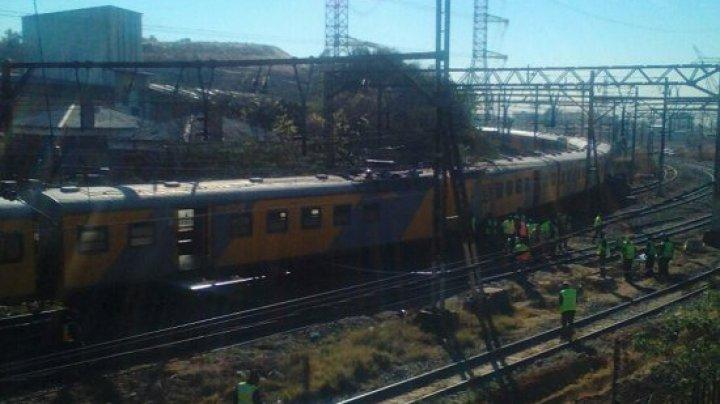 Два поезда столкнулись в ЮАР, около 100 пострадавших