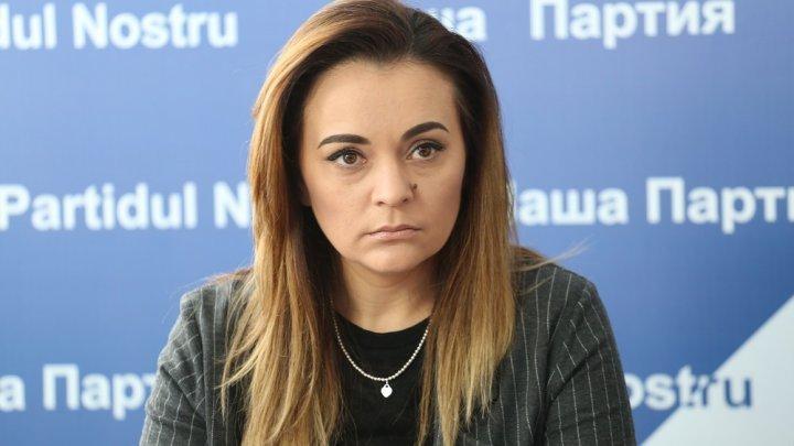 """В Бельцах зампредседателя """"Нашей партии"""" публично оскорбила журналистов TVN"""