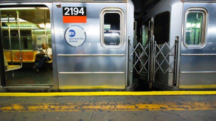 Справлял нужду между вагонами: В нью-йоркском метро погиб пассажир