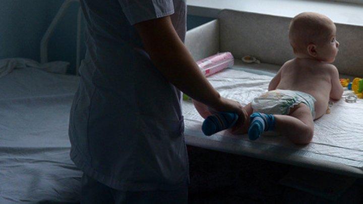 Россиянка сломала шею ребенку во время массажа