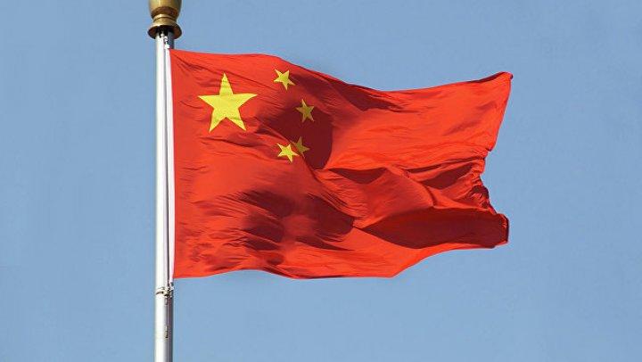 В Китае из-за схода оползня эвакуировали почти 25 тысяч человек