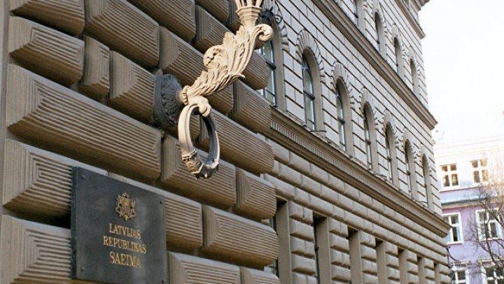 В Латвии задержали пять человек за агрессивное поведение на выборах