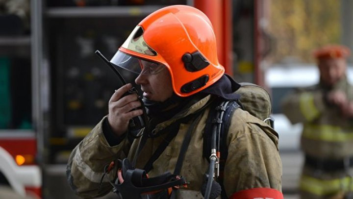 В московской школе ученик поджег дымовую шашку