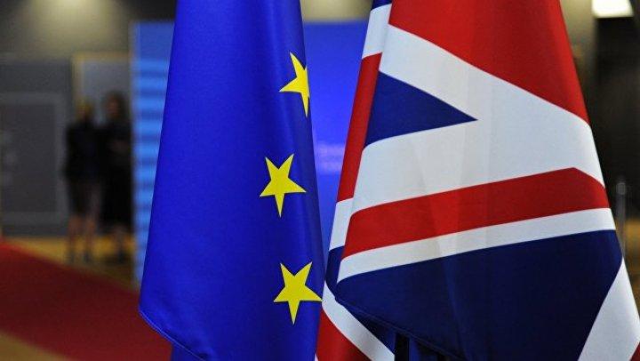 Более миллиона британцев выступили за новый референдум по Brexit
