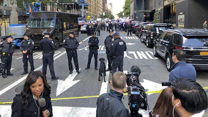 В Нью-Йорке полиция вывезла подозрительную посылку, адресованную Де Ниро