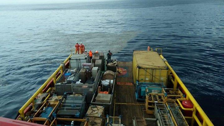 На месте крушения самолета в Индонезии нашли взорвавшийся топливный бак