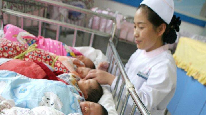 Китаец продал новорожденную дочь
