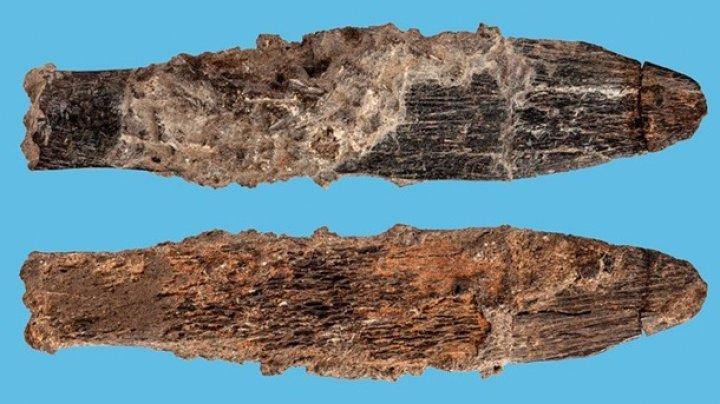 Археологи показали нож, которому 90 тысяч лет