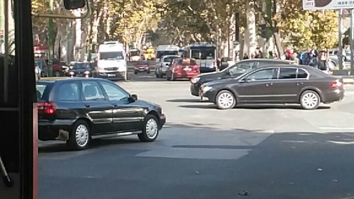 На улице Крянгэ оборвались троллейбусные линии: фото