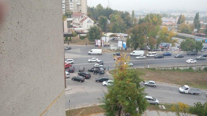 Попавший в ДТП на Измаильской «Porsche» увёз эвакуатор: видео
