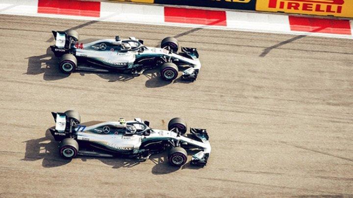 Британский гонщик Льюис Хэмилтон выиграл Гран-при России